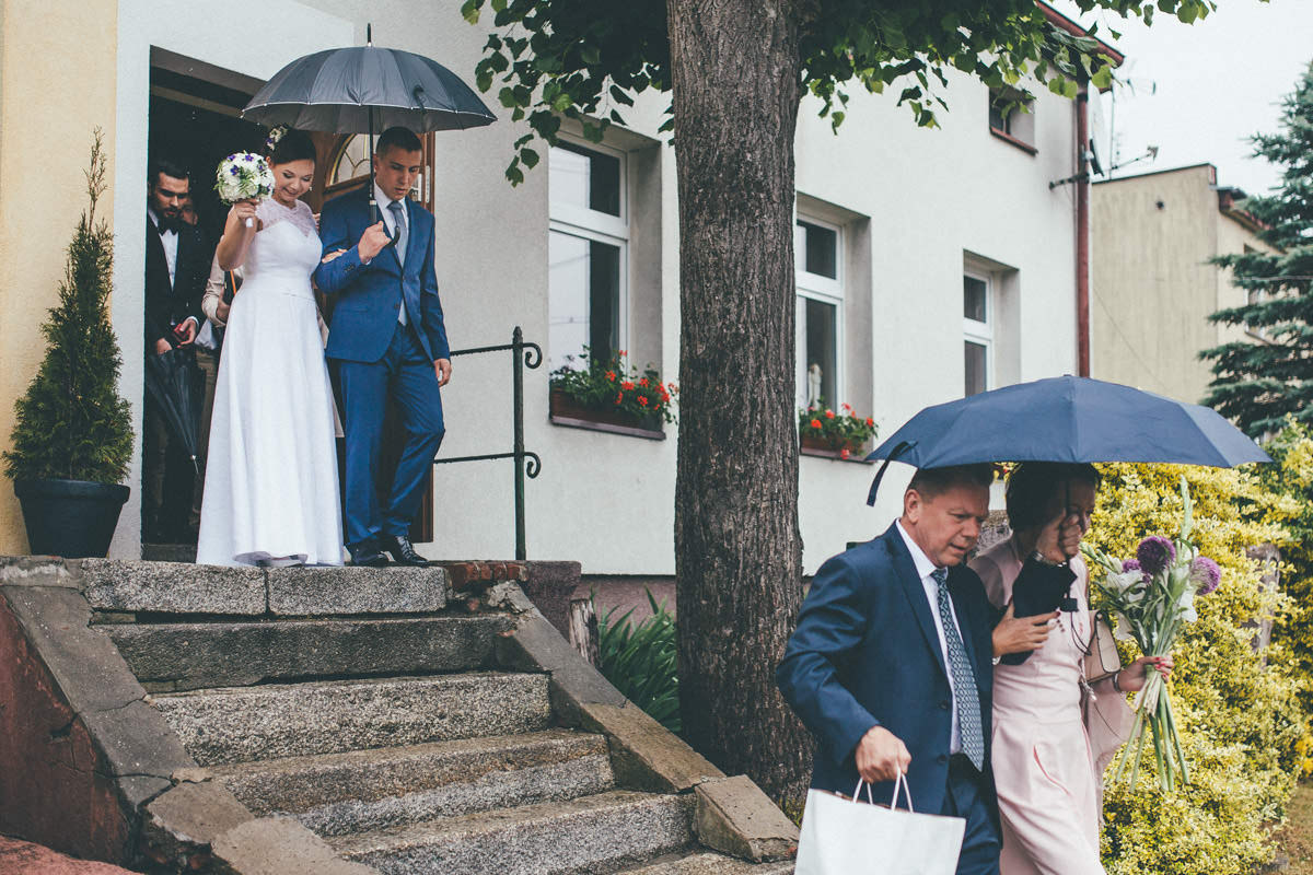 alternatywny ślub w ogrodzie