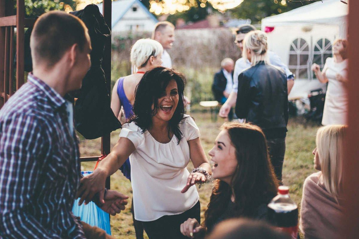 alternatywne wesele w ogrodzie