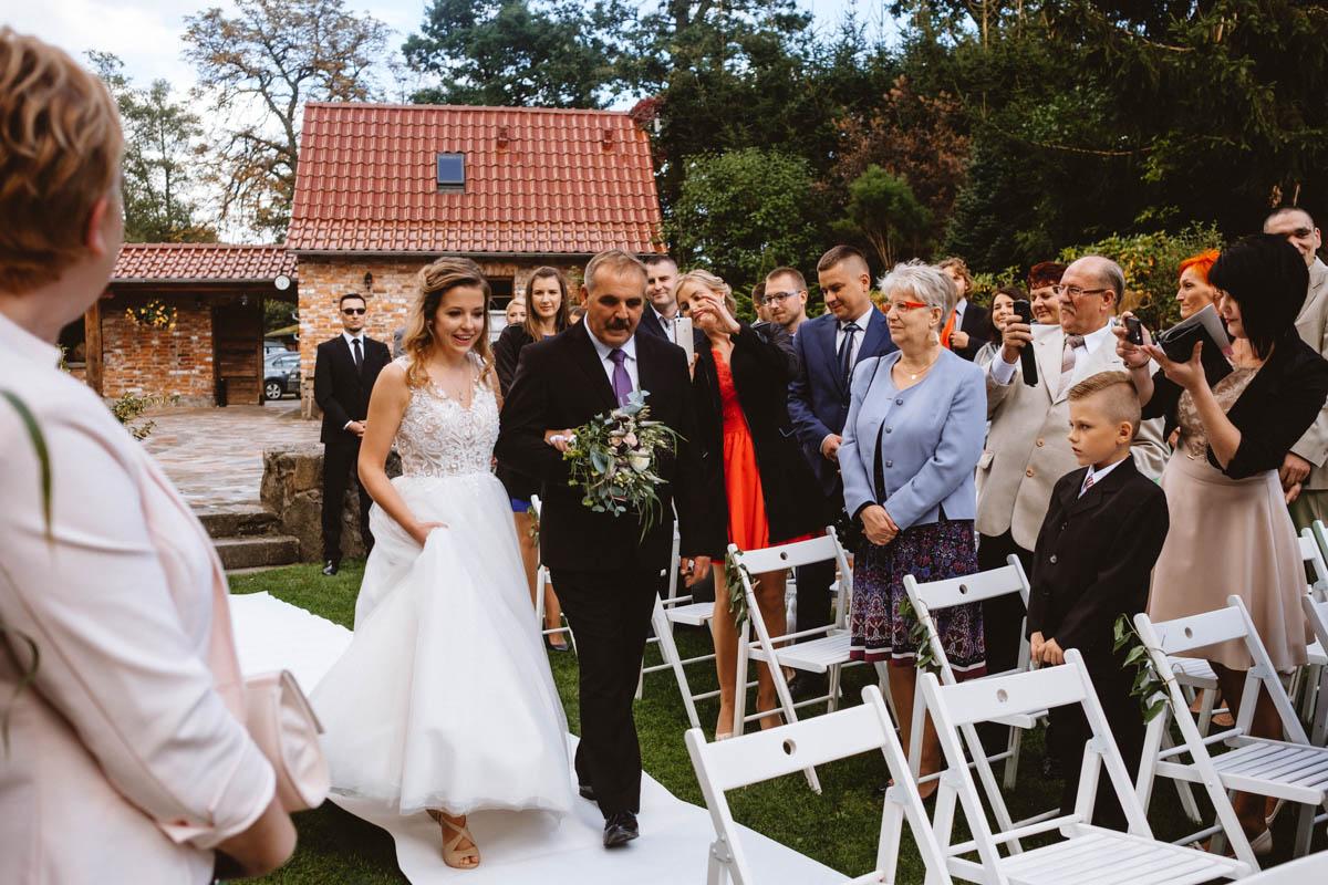 ślub jednostronny w plenerze